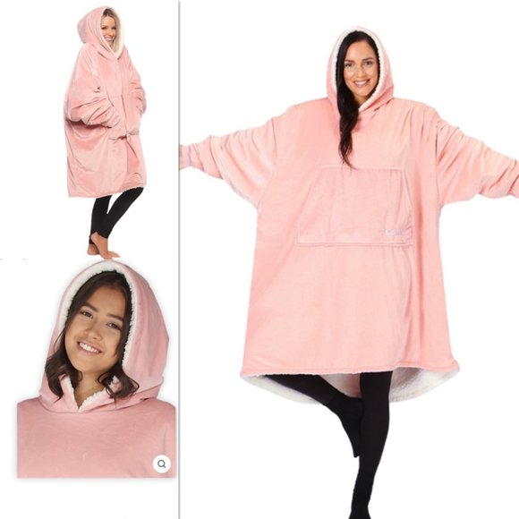 NEW IN PACKAGE The Comfy Original Blanket Sweater